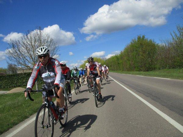 """Mercredi 17 avril - """"Rallye des Anciens"""" à Avrolles - 114 km de vélo !"""