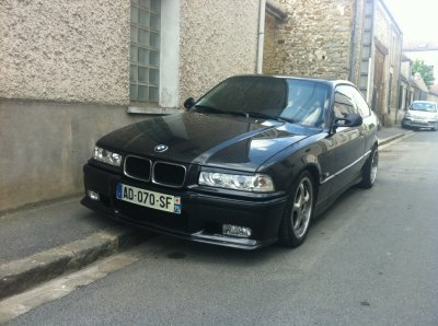 bmw 318 is coupe et saxo vts