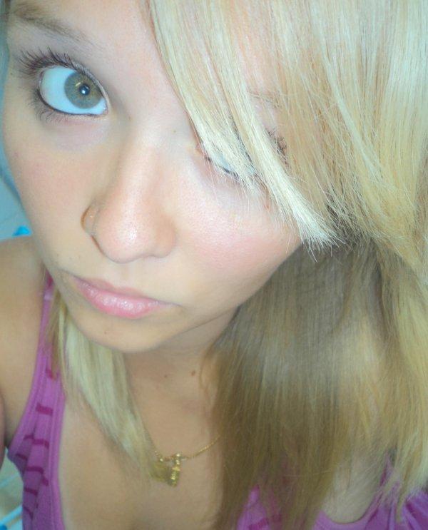 Une fille fragile n'est pas forcément une  fille   facile ..... =)