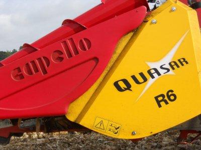 moisson maÏs 2011 avec une class lexions et JD et benne maupu 24 tonnes