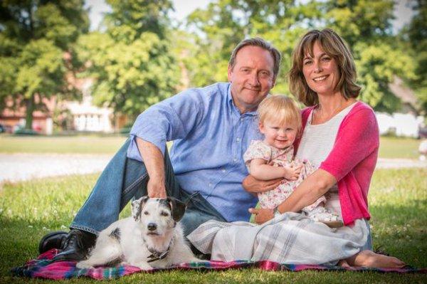 John & Sarah & Betty & le chien