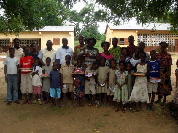 Appui à la scolarité des orphelins du canton de Bolou 2013/2014
