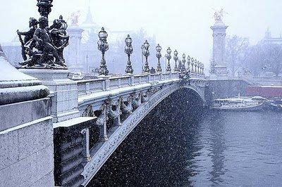 La neige est de retour à Paris
