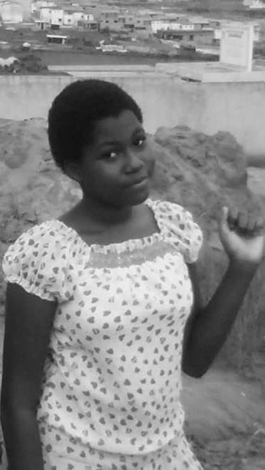 je veux votre avis    je suis belle????