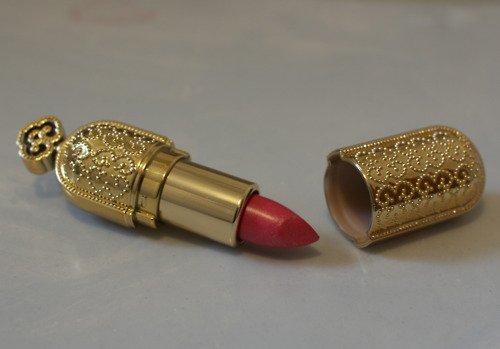 La femme peut-elle s'embellir devant un prétendant ?  Shaikh Ibn Al-'Uthaymin