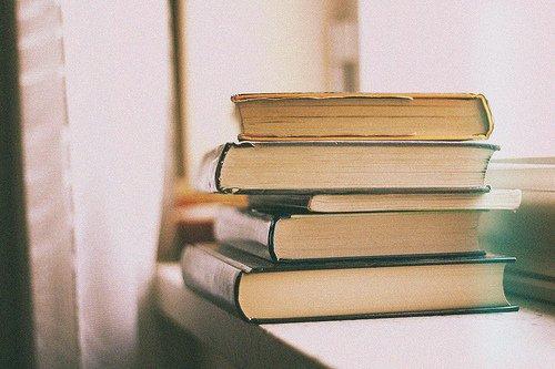 Ar-Rabî' rapporte : « J'ai entendu As-Shâfi'î dire : J'aurais aimé que les gens connaissent cette science [i.e : ses livres] sans que rien ne m'en soit attribué. » [As-Siyar (10/29)]