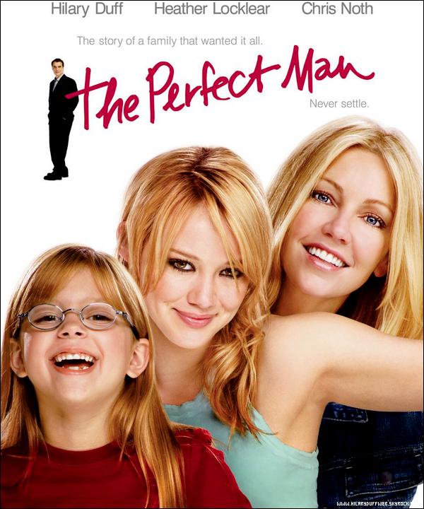 .  Critique exclusive du film « L'Homme Parfait » rédigée par HilaryDuffWeb !     . « L'Homme Parfait » raconte l'histoire de la jeune Holly Hamilton qui est lassée de voir sa mère seule et célibataire. Pour cela, elle élabore un plan afin de dénicher l'homme parfait pour sa mère et par la même occasion lui faire retrouver le chemin de la confiance en soi. Etonnamment ce film est très plaisant à voir et on se laisse facilement prendre au jeu du stratagème qu'élabore le personnage joué par Hilary Duff. De plus, les personnages sont attachants, drôles, familiés et les scènes sont agréables à voir grâce à l'impeccable qualité filmique du film. Hilary y livre une très bonne interprétation bien que la plupart des ses rôles soient du même genre; mais je ne sais pour quelles raisons, je la trouve bien meilleure dans ce film et c'est en partie pour cette raison qu'il est mon film préféré d'Hilary. Bref, un bon petit film que je vous conseille et qui ne lasse pas... !  . As-tu vu « L'Homme Parfait » et qu'en as-tu pensé ? (Bande-Annonce & Film en Streaming)    .