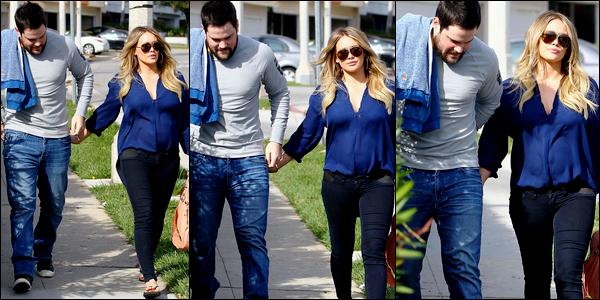 """. Dimanche 04 Déc. : Nos beaux futurs parents se rendant main dans la main dans un """"Coffee Bean"""" de Beverly Hills.."""