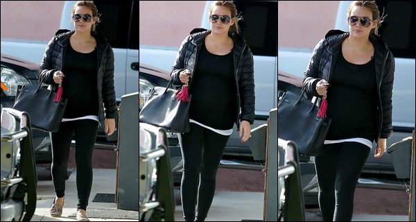 . Mardi 24 Janv. : Notre future maman quittant son cours de pilates (Toluca Lake). En route pour l'arrivée de bébé Duff-Comrie !.
