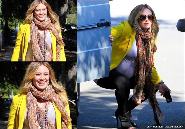 . Jeudi 09 Fév. : Hil' se rendant gaiement chez son médecin généraliste (Beverly Hills). Elle nous sort le grand jeu pour le coup ! .