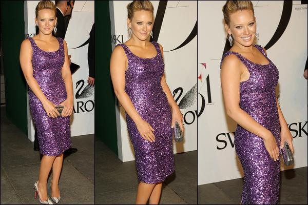 """. FLASHBACK (02 Juin 2008) ~ Notre Hilary participant avec élégance au Gala des """"CFDA Fashion Awards"""" à New York.  ."""