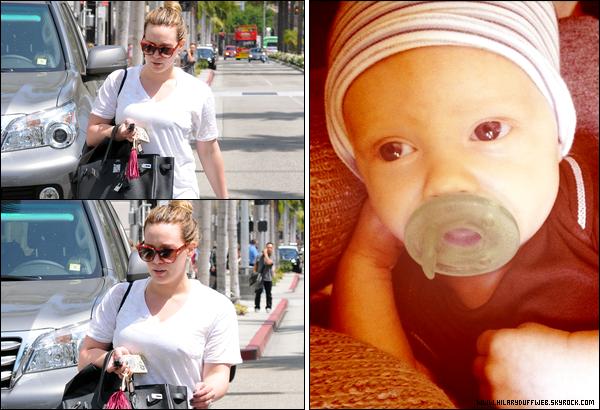 . Jeu. 24 Mai : Hilary chauffant sa carte de crédit dans les rues de Los Angeles + Nouvelle photo de l'adorable Luca Cruz Comrie..