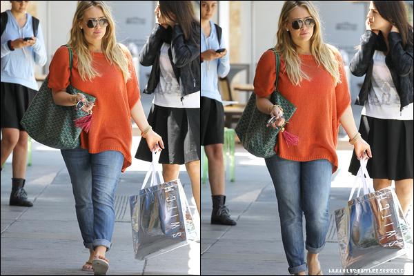 . Mer. 06 Juin : H. se consacrant à son activité préférée dans Beverly Hills : le shopping ! Serait-elle une acheteuse compulsive ?.