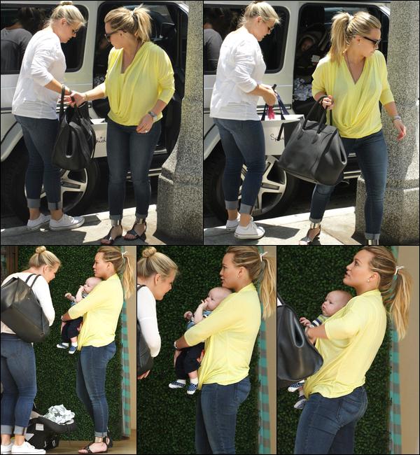 .  Mardi 19 Juin : Hilary, Luca et une femme (nounou ?) faisant une séance de shopping sur le Boulevard Robertson à Los Angeles...   Merc. 20 Juin : La jeune maman Hilary, sa mine fatiguée et son fils Luca, allant et quittant un cabinet médical situé à Hollywood..