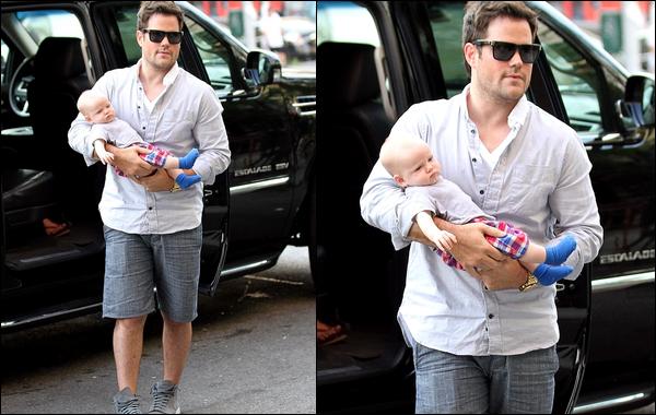 . Dimanche 15 Juill. : Maman Hil', papa Mike et bébé Luca allant prendre un repas à NYC + Photo de Luca prise par maman Duff !.