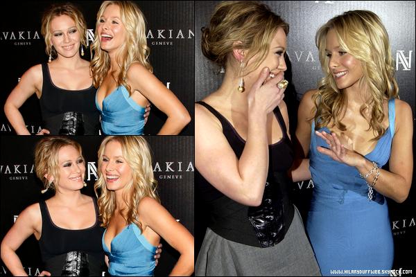 """. FLASHBACK (04 Décembre 2008) ~ La belle Duff présente lors de l'inauguration d'une boutique """"Avakian"""" à Beverly Hills. ."""