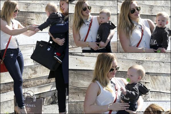 . 22/02/13 : H. faisant un peu de shopping dans les rues de Los Angeles en compagnie de son fils ainsi que de sa meilleure amie..