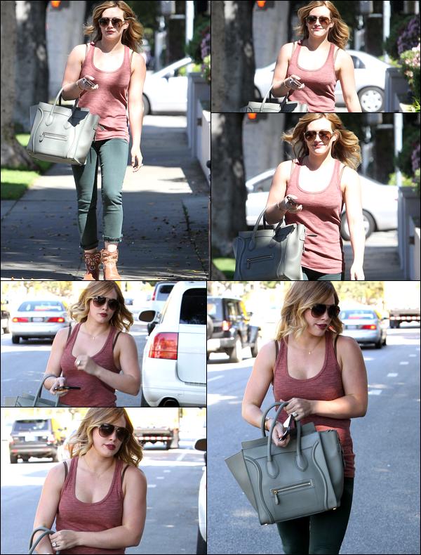 . 18/04/13 : Notre somptueuse Duff, sans bébé Luca, se rendant vers un salon de beauté situé en plein centre de Beverly Hills !.