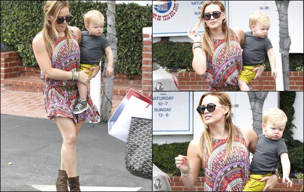 """. 11/06/13 : Hilary traînant toute la journée au centre commercial """"Fred Segal"""" de Los Angeles en compagnie de son p'tit Luca.."""