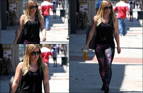 . 11 Août 2013 : Notre belle Duff, se promenant avec son adorable Luca dans les rues de Los Angeles. .TOP ou FLOP ?.