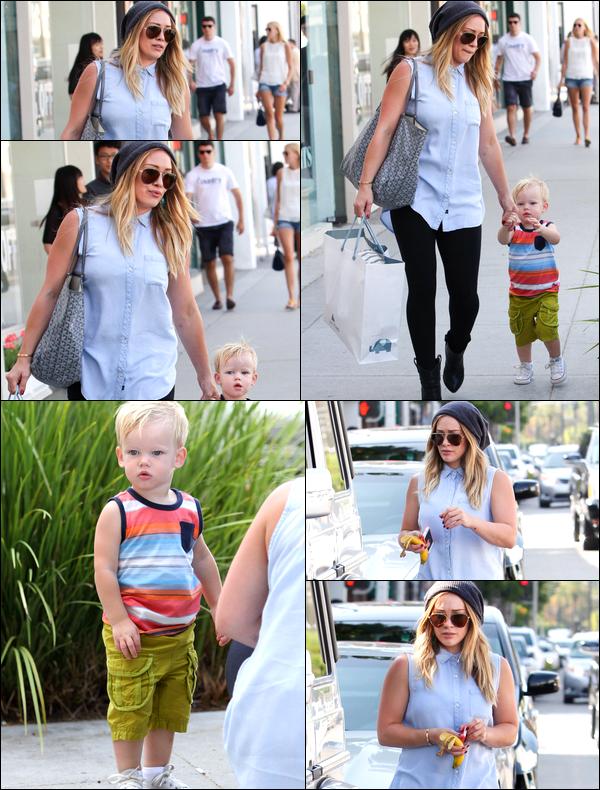 . 26 Août 2013 : La Duff allant faire quelques courses en compagnie de son petit Luca. .Sa tenue, TOP, BOF ou FLOP ?.