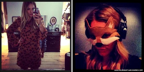 . 29 Octobre 2013 : Maman Duff allant se balader en compagnie de son adorable petit Luca dans les rues d'Hollywood..