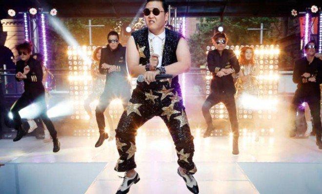 bonne année 2013 avec gangnam style