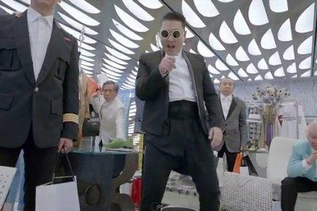 """Après """"Gangnam Style"""", Psy lance """"Gentleman"""" lors d'un méga-concert"""