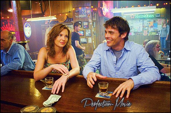 . ► Catégorie Comédie Romantique : 27 Robes (27 Dresses) d'Anne Fletcher sortie en 2008 avec comme acteurs Katherine Heigl , James Marsden puis Malin Akerman .  .