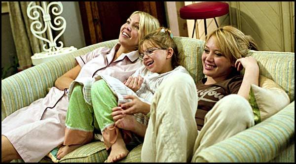 . ► ● ● Catégorie Film Romantique  L'Homme parfait (The Perfect Man) est un film américain réalisé par Mark Rosman qui est sorti en 2005 avec comme acteurs principaux Hilary Duff , Heather Locklear et puis Chris Noth ● ● . .
