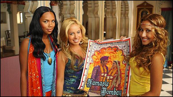 . ► ● ● Catégorie Film De Comedie Musicale Familiale : Les Cheetah Girls 3 : Un monde unique est produit par Disney Channel , diffusé le 20 janvier 2009 avec comme actrices principales Adrienne Bailon Sabrina Bryan Kiely Williams . ● ●  .