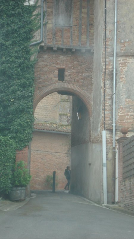 Porche reliant deux rues