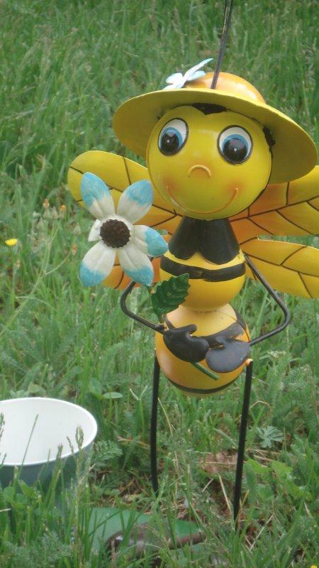 Une jolie abeille !