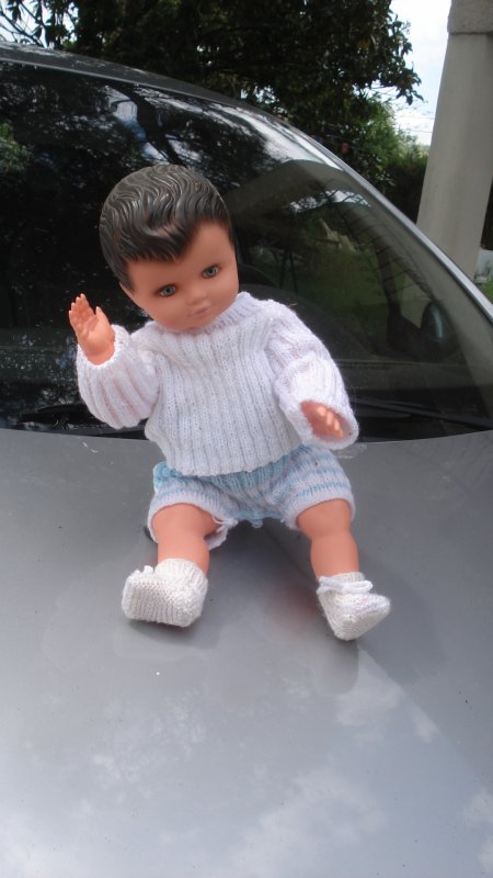 Il est content : la voiture de Jenny est réparée