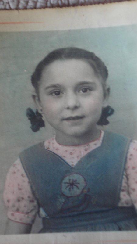 Qui devinera la première qui est cette petite fille ?