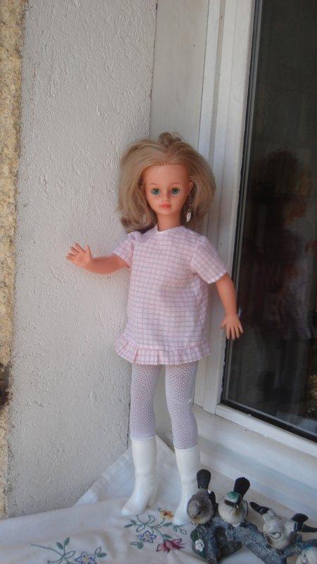 Grâce à la gentillesse de ninie et Jasonne, Cathie étrenne une nouvelle tenue