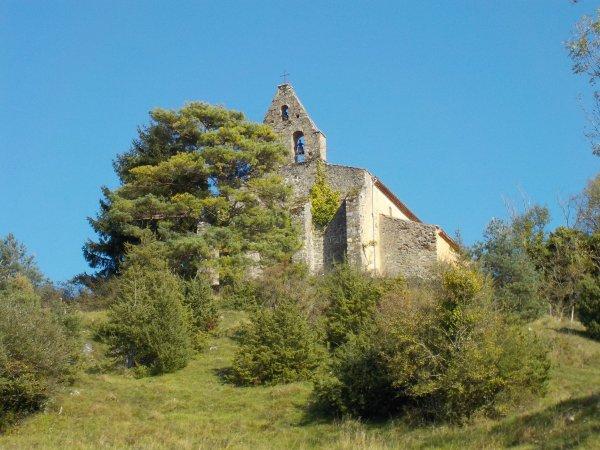 en 09, village dont le nom commence par CAD, connu pour son passé minier.Ici, la chapelle