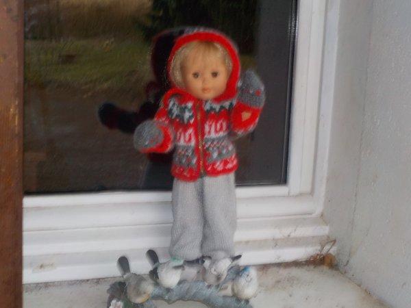 M.Françoise a revêtu une tenue hivernale offerte par Ninie