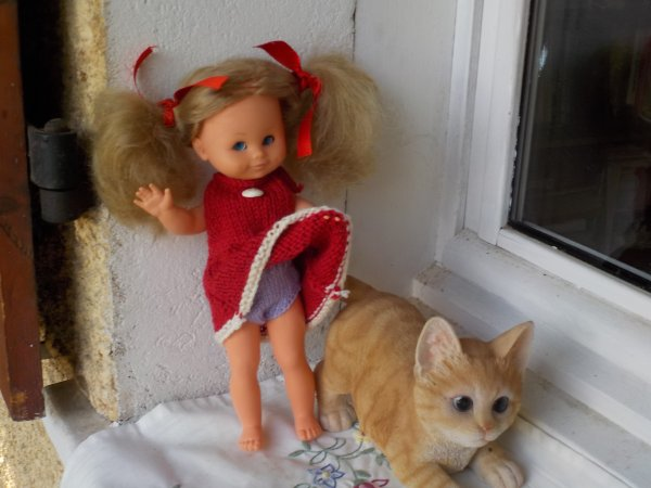Elle étrenne une culotte offerte par Mylène