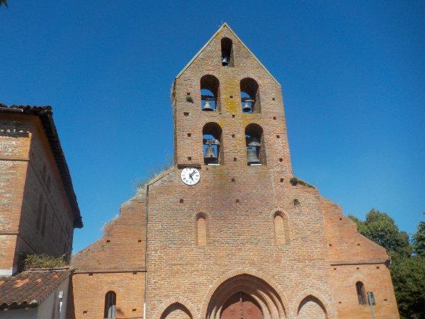 Magnifique clocher-mur