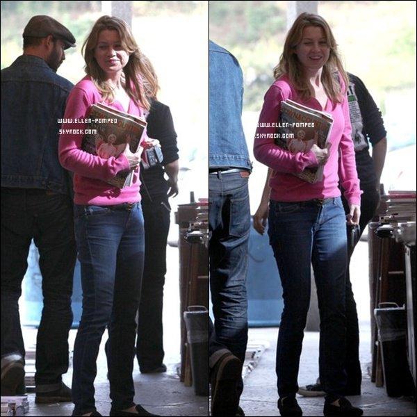 """. Le 30 Mars 2012 -   Ellen toute jolie arrivant et quittant le magasin """"Book Soup"""" après y avoir acheter quelques magazines à Los Angeles. ."""