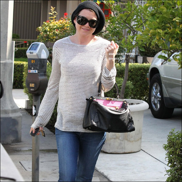 . Le 03 Mai 2012 -   Ellen quittant un studios de design à Los Angeles.