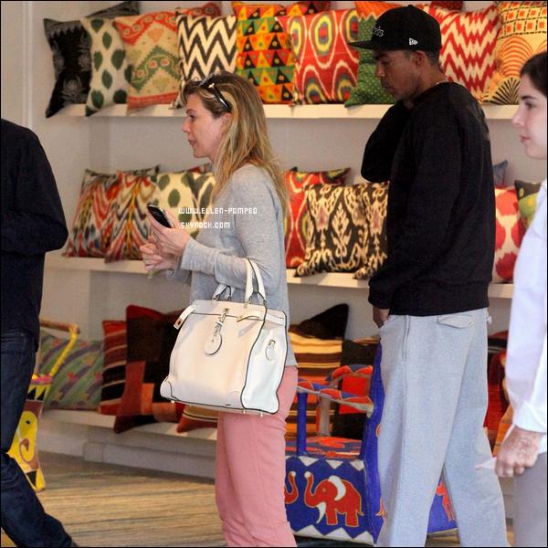 """. Le 26 Mai 2012 -   Ellen et son mari se sont rendu chez """"Amadi"""" un magasin de tapis persans, à Los Angeles."""