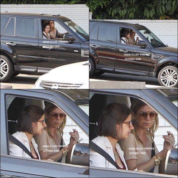 . Le 02 Juillet 2012 -   Ellen et une amie ont été aperçues sur Sunset Boulevard à Los Angeles.