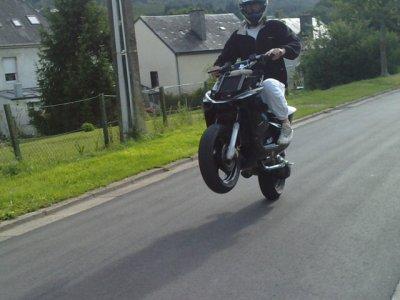 Moi en wheeling avec le NitrO ;)