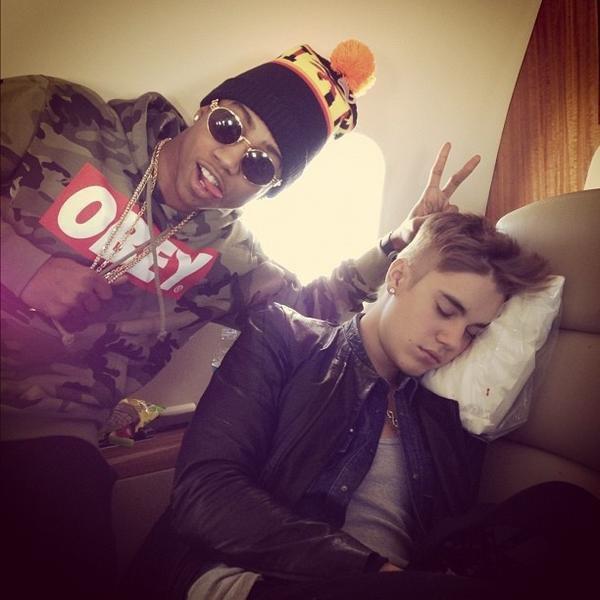 Quand il dort il est chjdfvdvnvojff *____* <3
