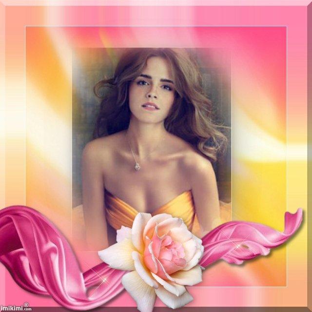 Belle comme la rose.