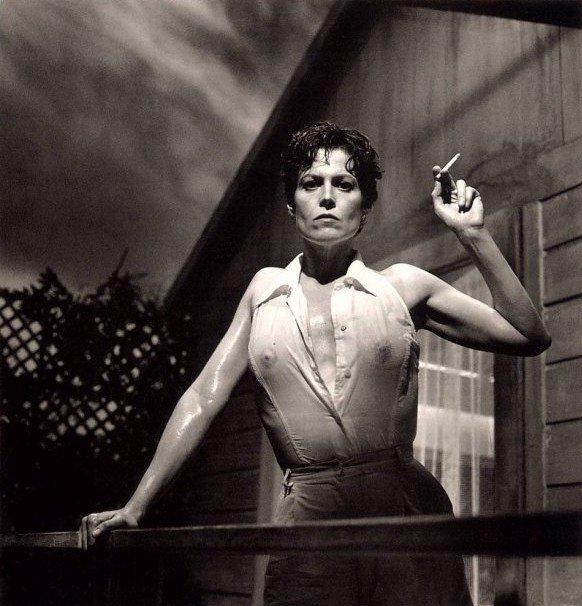 Sigourney Weaver, par Helmut Newton