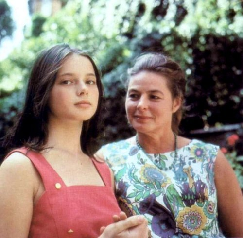 """I don't love anybody but you, Mother darling."" Rosemary à sa mère, dans Tendre est la Nuit, de Francis Scott Fitzgerlad"