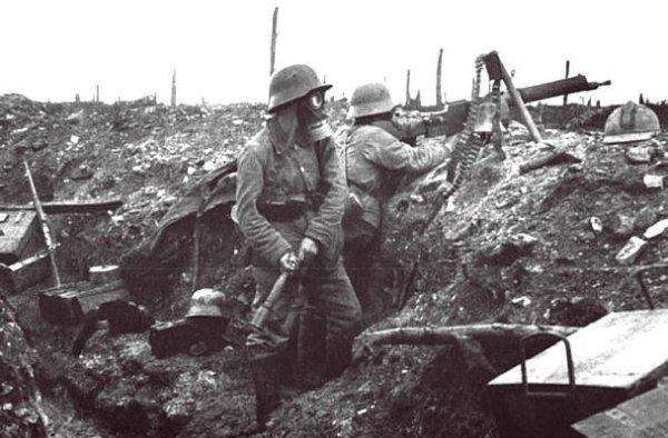 Dans l'enfer de Verdun. 21 février 1916 - 19 décembre 1916. Premiere partie.